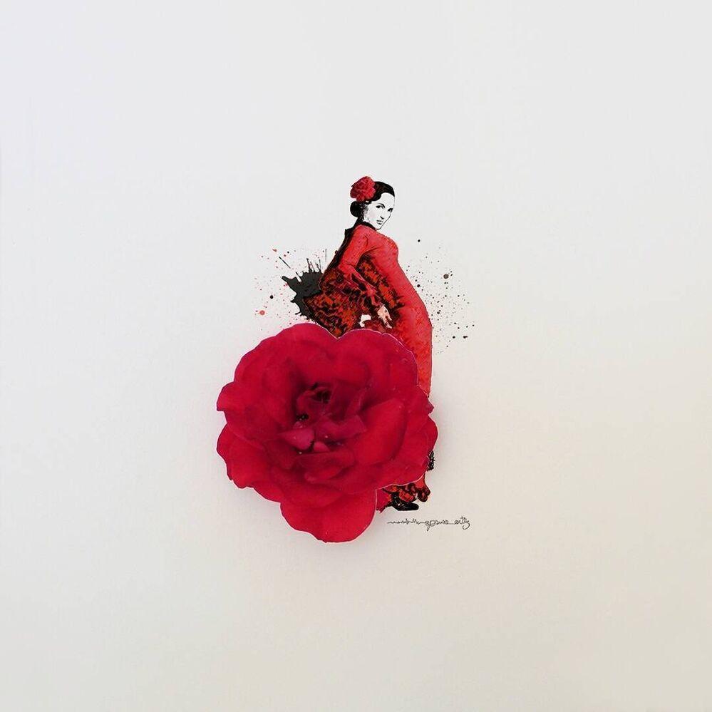 Il transforme des fleurs et des objets du quotidien en art.
