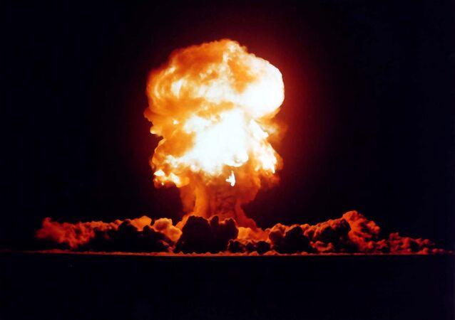 Le test de l'arme nucléaire américaine