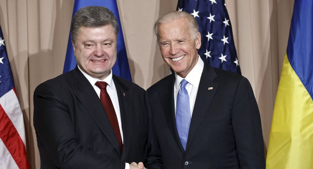 Joe Biden et Petro Porochenko en 2016