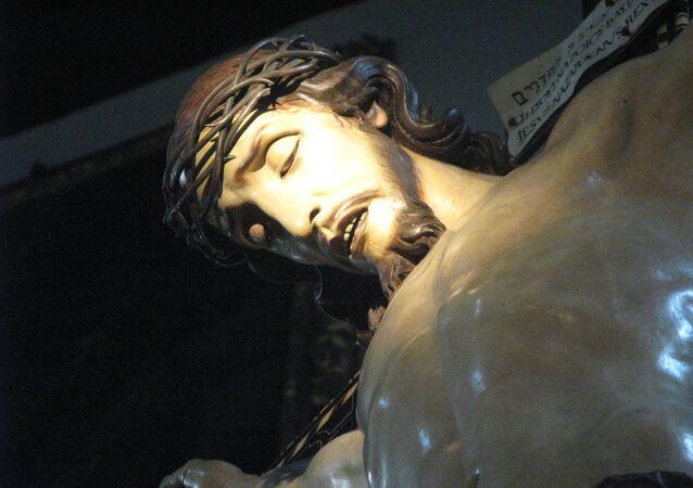 Une statue de Jésus