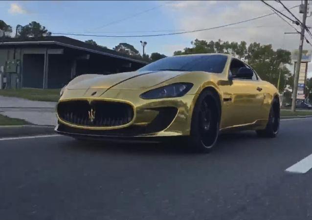 Maserati dorée