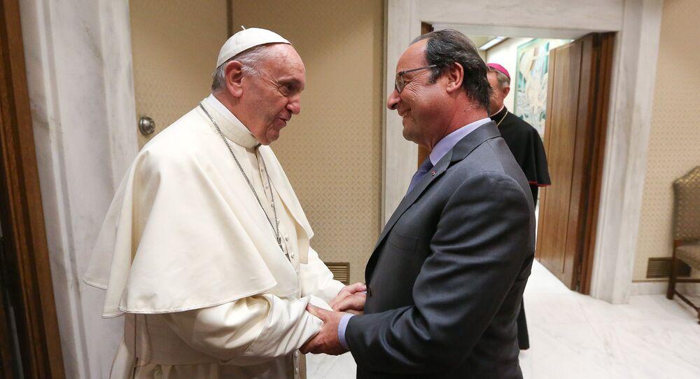 Le président François Hollande rencontre le Pape François