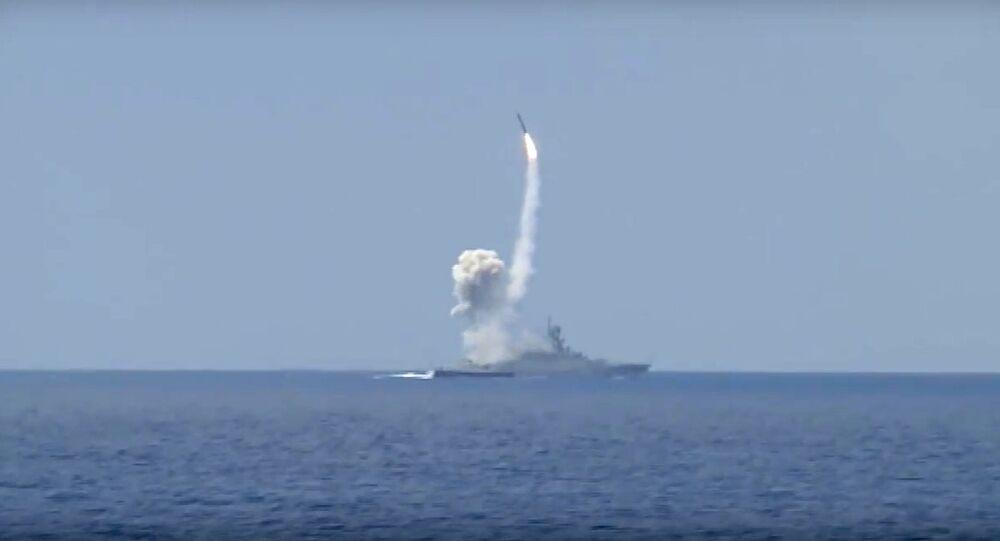 La Russie tire des missiles de croisière Kalibr sur al-Nosra
