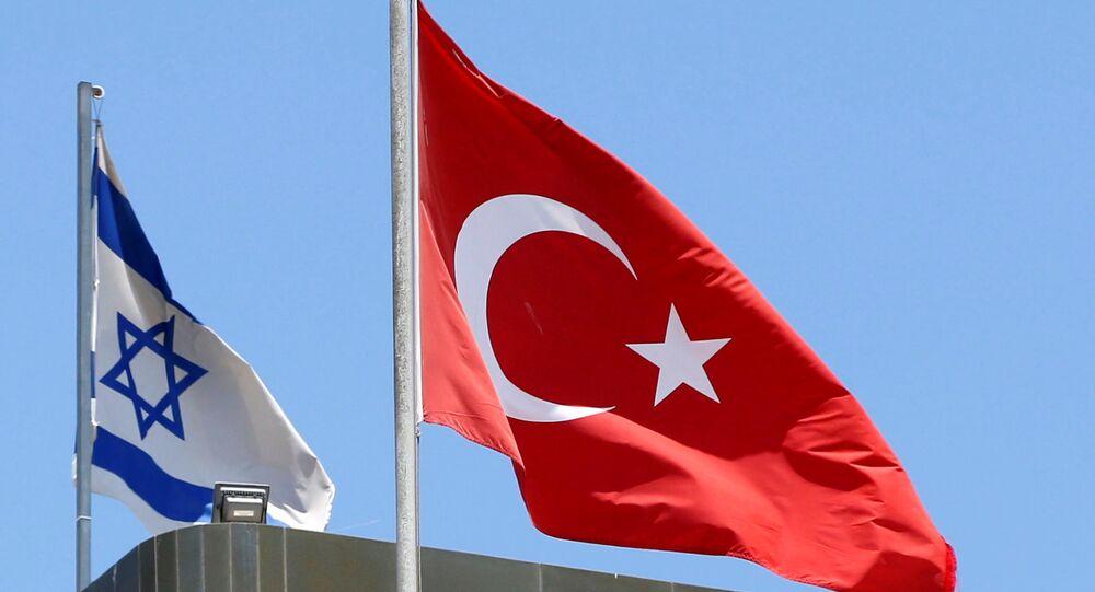 Drapeaux israélien et turc
