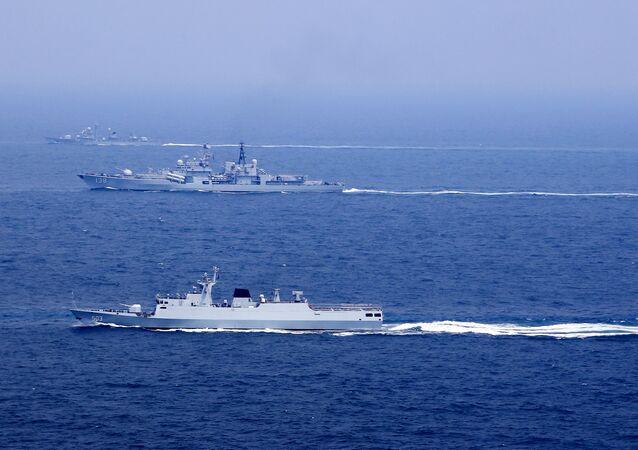 Les navires chinois dans la mer de Chine orientale