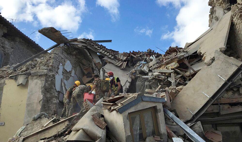 Un puissant tremblement de terre de magnitude 6,2 a secoué le centre de l'Italie dans la nuit du 23 au 24 août, faisant 247 morts et plus de 360 blessés.