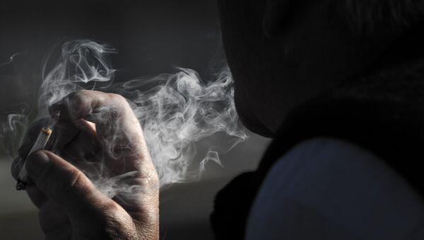 La solitude serait aussi dangereuse que le tabagisme - Sputnik France