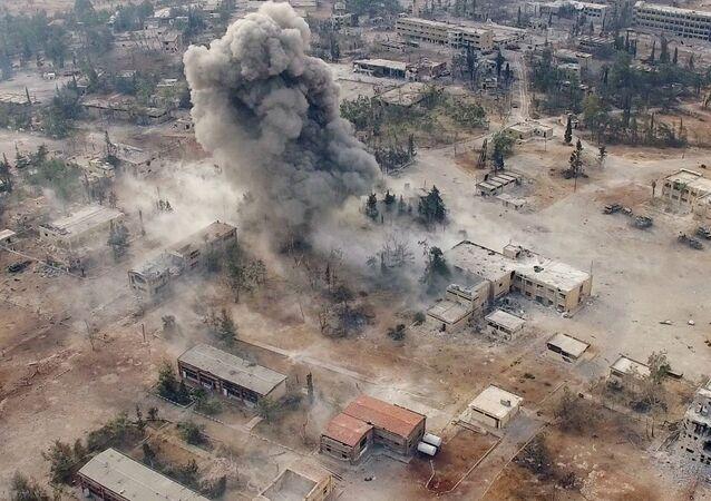 Un avion militaire s'écrase près de Damas
