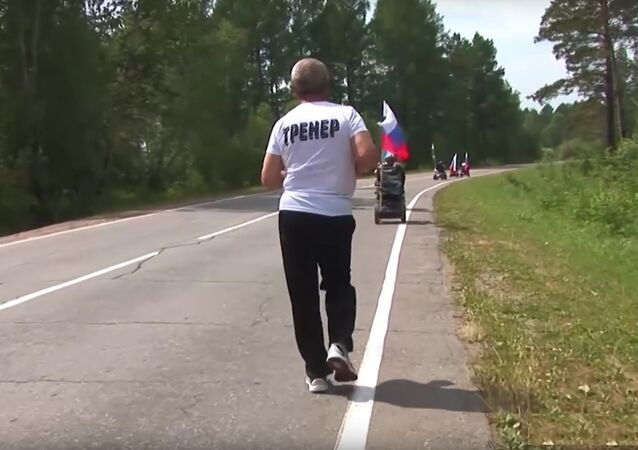 65 ans, invalide, ce Russe parcourt 5.000 km en courant!