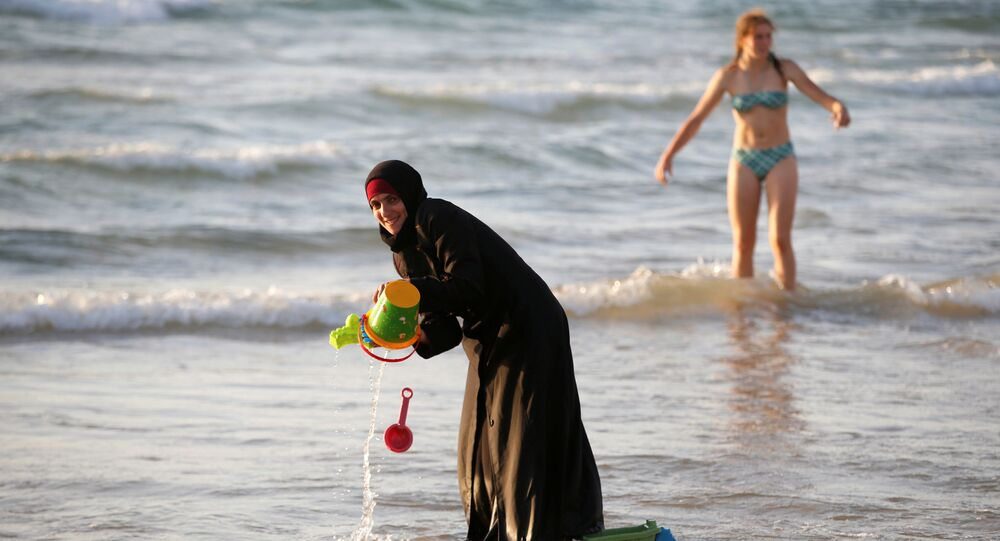 La révolution du bikini en Algérie est-elle réellement en marche?