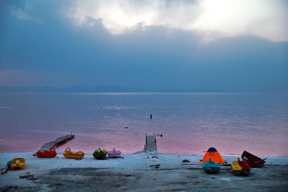 Le lac rose d'Ourmia en Iran