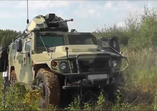 Un blindé robotique russe Tigre-M