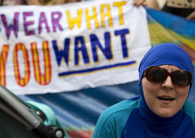 Protestations contre l'interdiction du burkini
