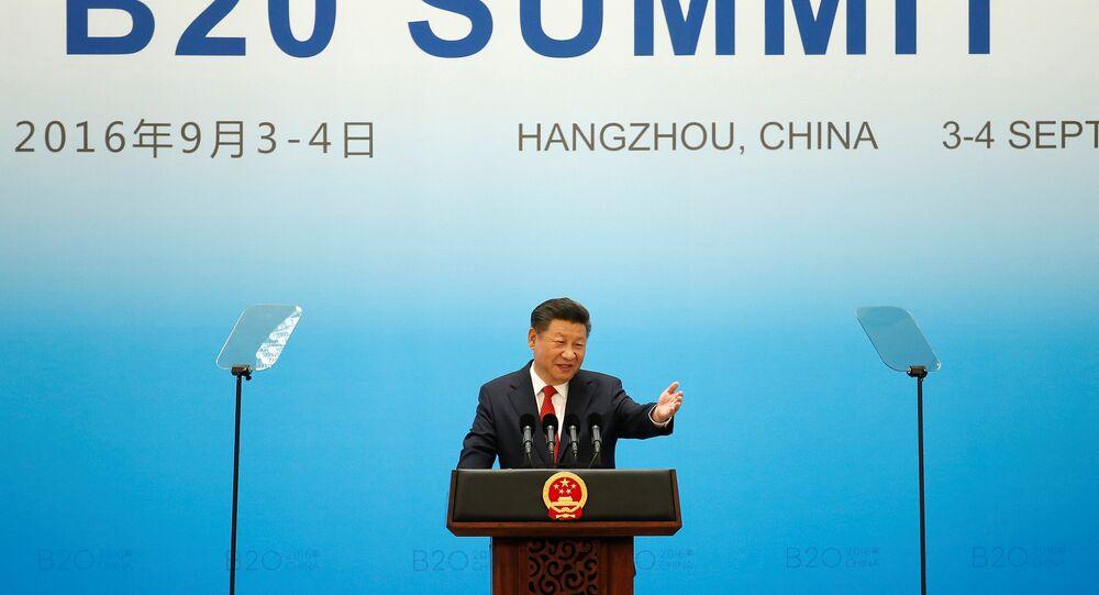 Le président chinois Xi Jinping parle au cours de la cérémonie d'ouverture du Sommet G20, à Hangzhou