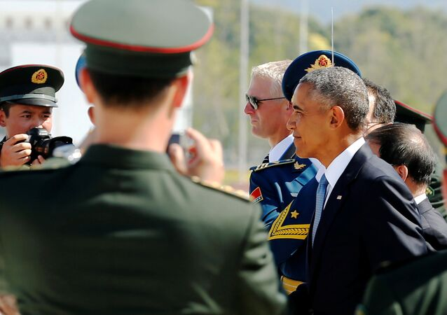Le président américain Barack Obama arrive à l'aéroport international de Hangzhou Xiaoshan à Hangzhou