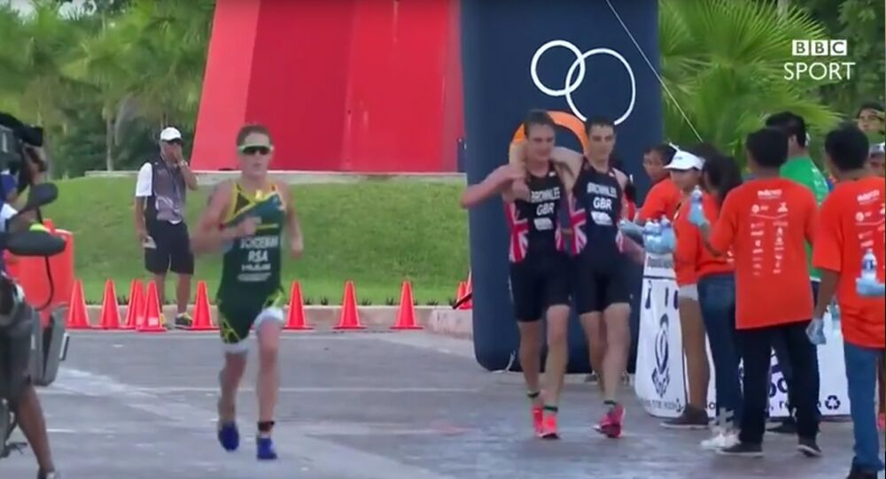 Ainsi agissent les humains: un sportif fait oublier la course