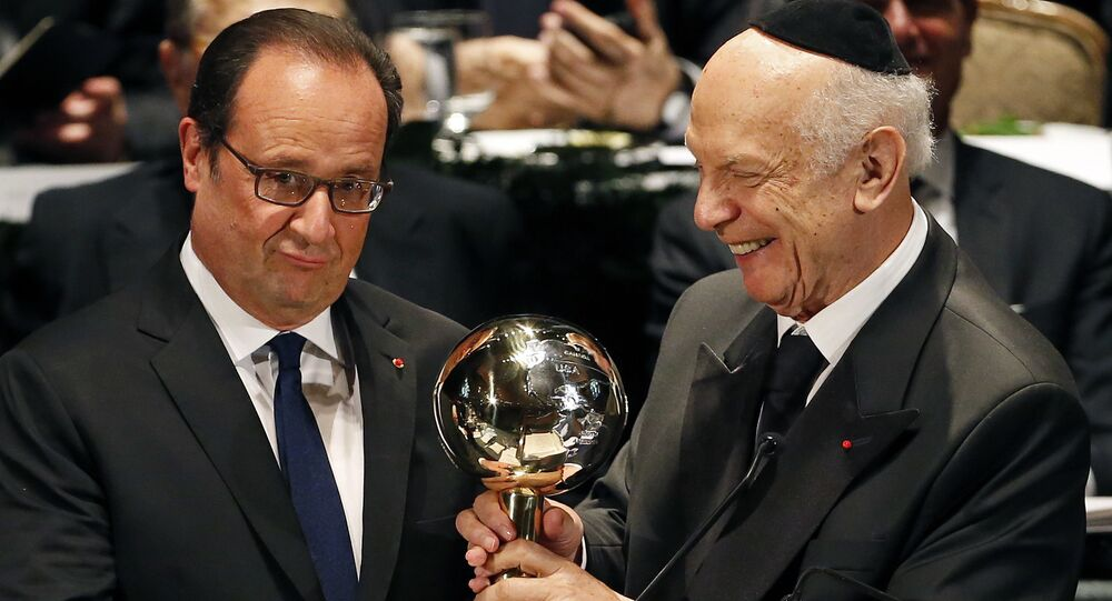 Hollande et Arthur Schneier
