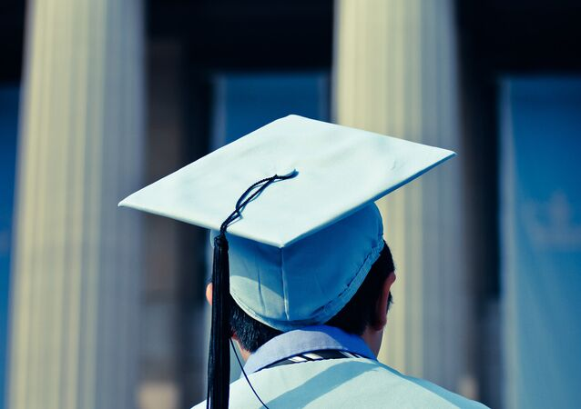 diplômé de l'université