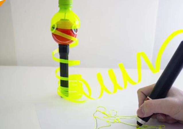Le stylo 3D qui vous permet de dessiner avec du plastique recyclé