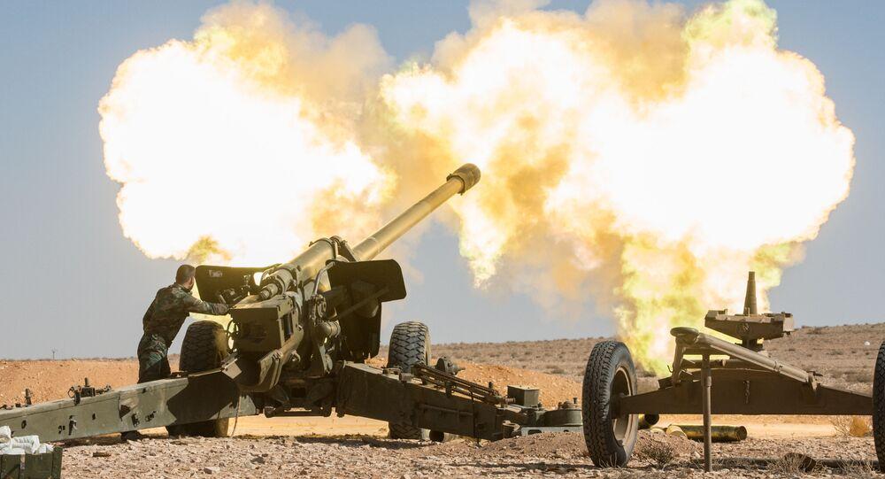 Salves d'artillerie contre Daech en Syrie