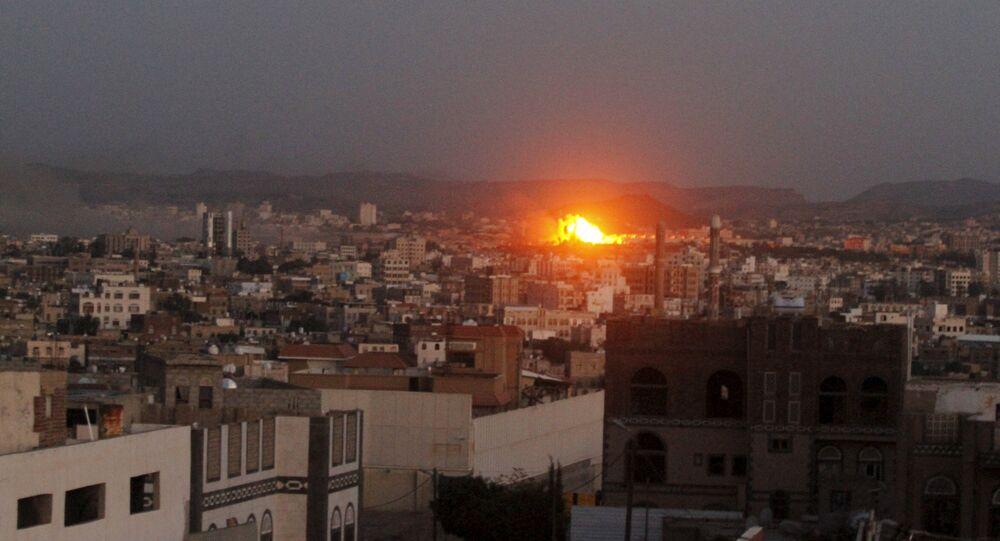 Une attaque aérienne de la coalition arabe au Yémen