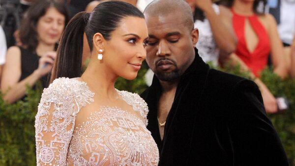 Kim Kardashian et son époux Kanye West - Sputnik France
