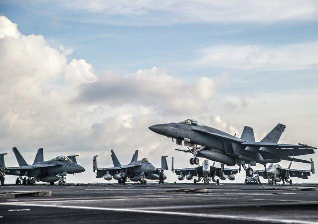 «La préparation des forces aériennes est au fond du trou», pour un commandant US