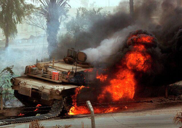 Quand un char M1A1 Abrams américain en Irak est détruit par un missile chinois