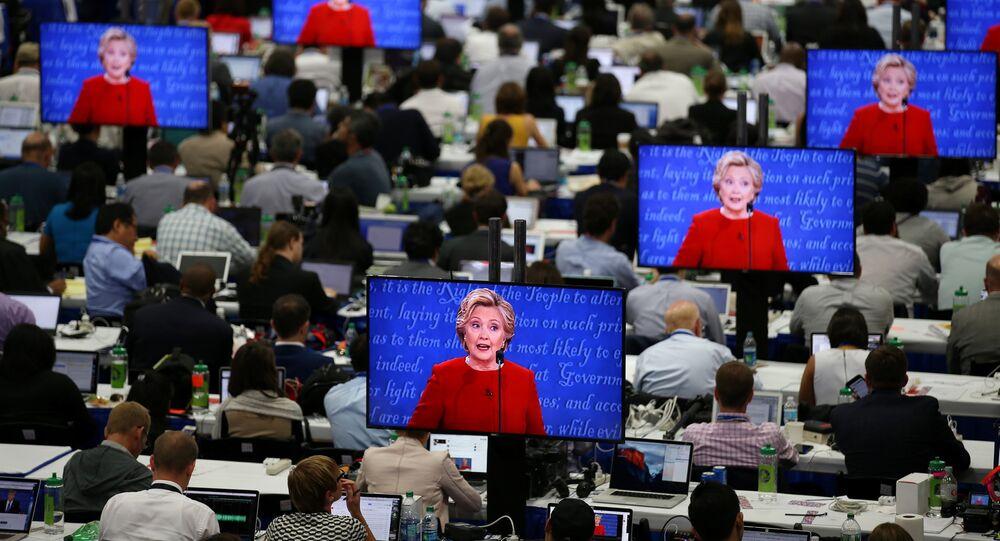 Les médias US, pilier de la campagne de Clinton