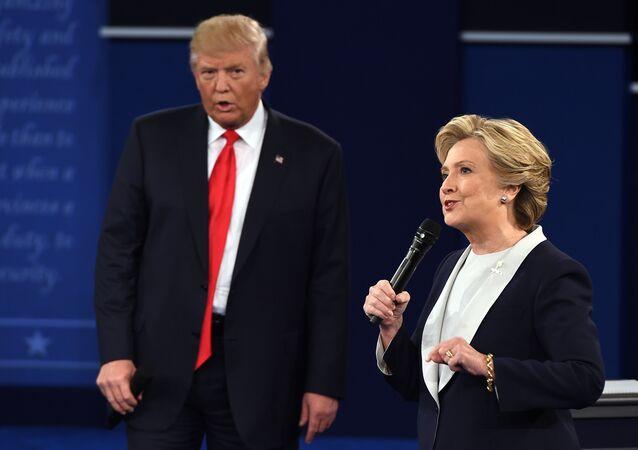 Clinton devait présenter Trump comme une menace pour les USA