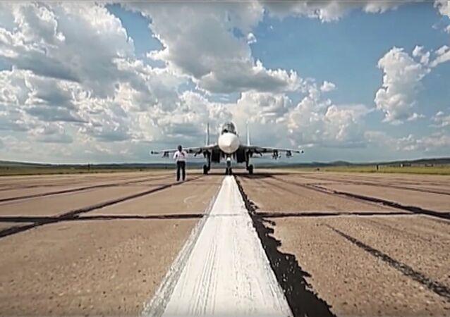 La patrouille des «Preux russes»  reçoit nouveaux chasseurs