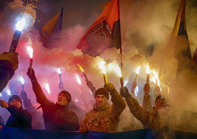 manifestation des membres du corps nationaliste Azov