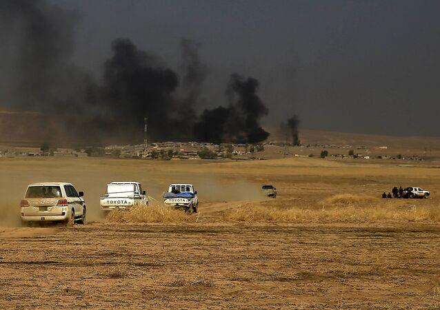 Daech a mis le feu aux fossés remplis de pétrole aux abords de Mossoul