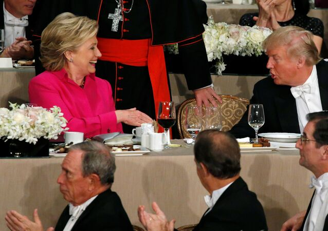 Bataille de blagues entre Clinton et Trump