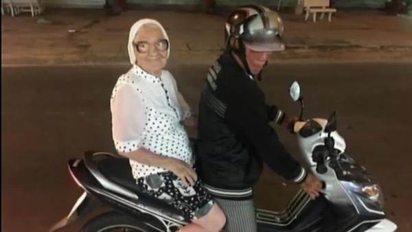Une babouchka de 89 ans à la conquête du monde! - Sputnik France