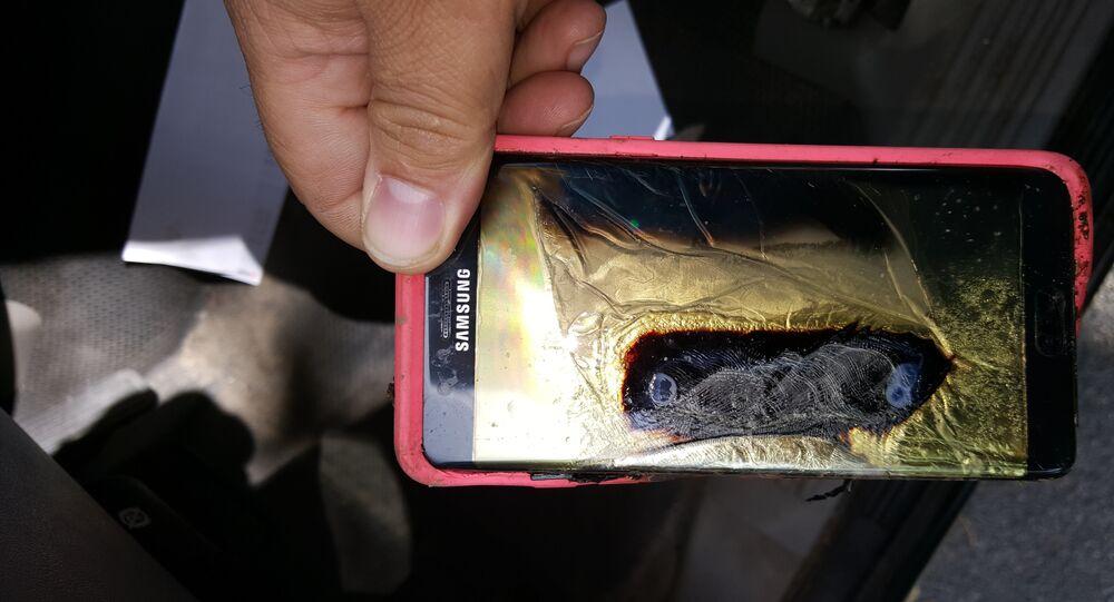 Un Samsung Galaxy Note 7 après une explosion de batterie