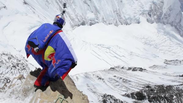 Un nouveau record mondial de chute libre depuis l'Himalaya! - Sputnik France