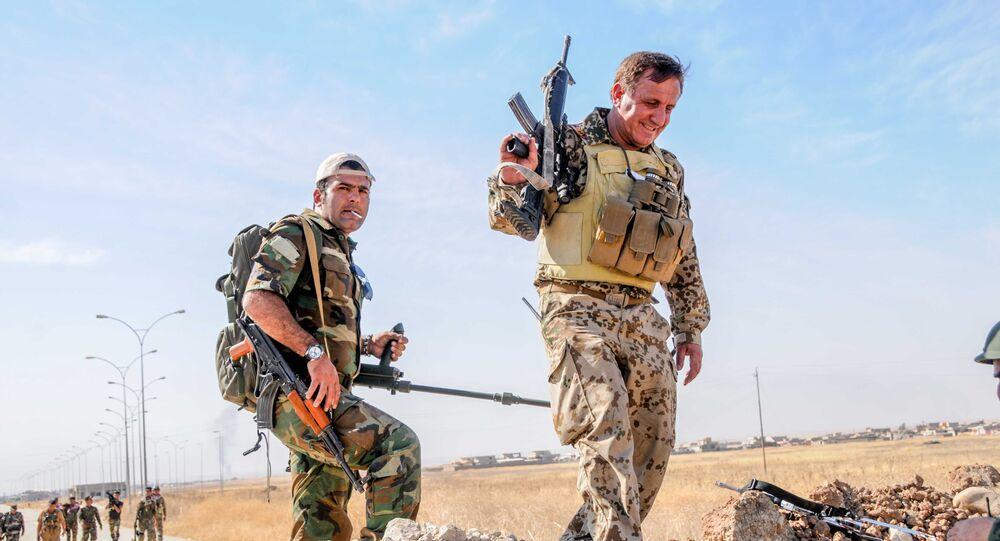 Des combattants peshmerga près de Mossoul