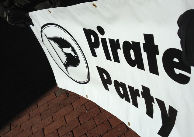 Le drapeau du parti Pirate islandais