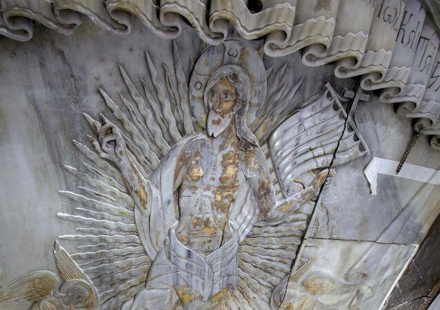 le tombeau du Christ dans l'église du Saint-Sépulcre à Jérusalem