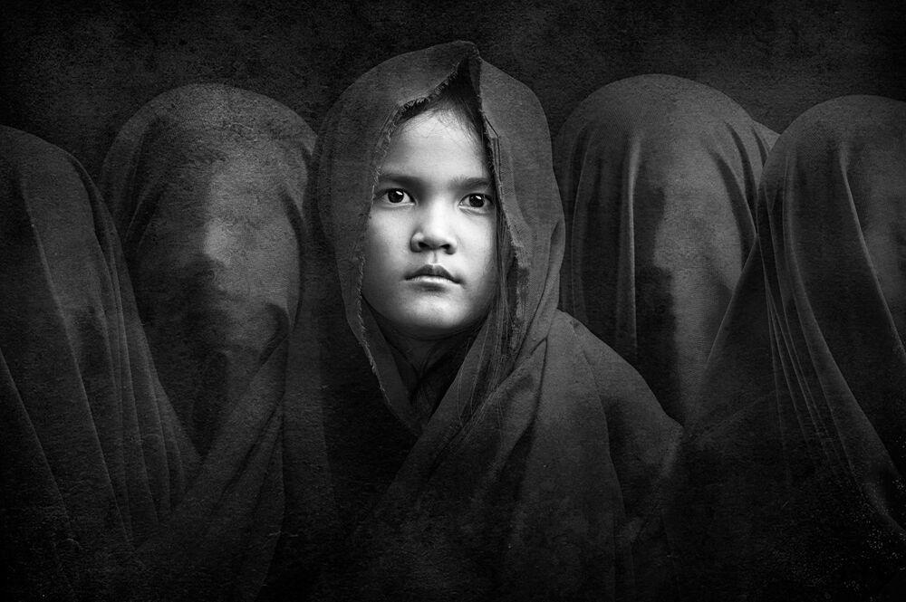 Фотография Secret sisters индонезийского фотографа Arief Siswandhono