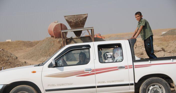 Жители Мосула массово бегут из города