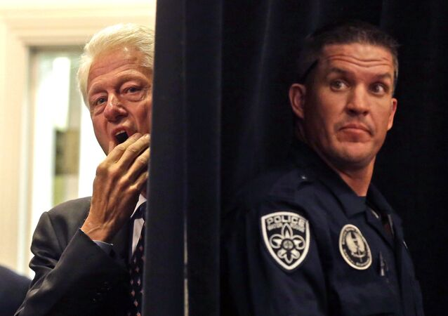 Le FBI ressort les vieilles affaires de corruption de Bill Clinton