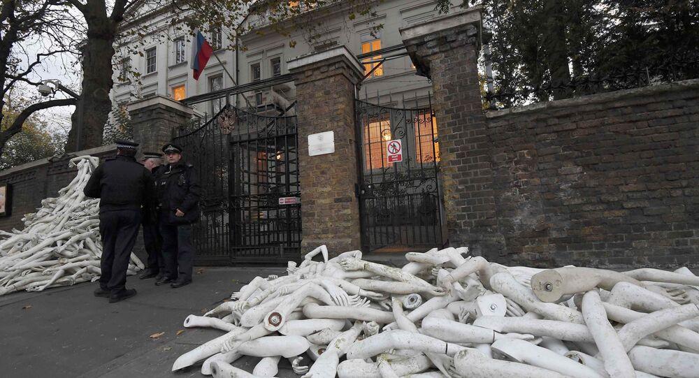 Nouvelles manifestations devant l'ambassade russe à Londres