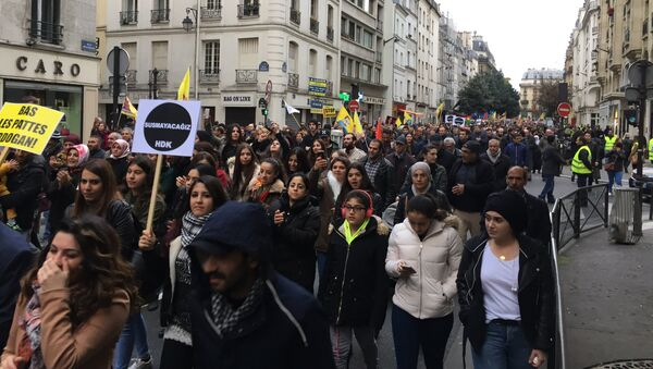 Des milliers de Kurdes manifestent à Paris - Sputnik France