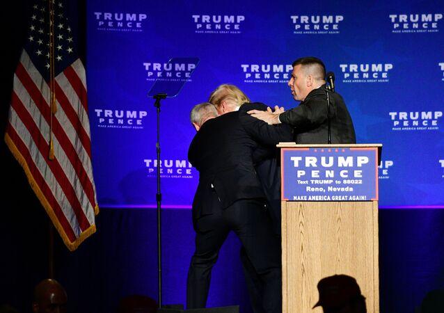 Évacuation de Donald Trump