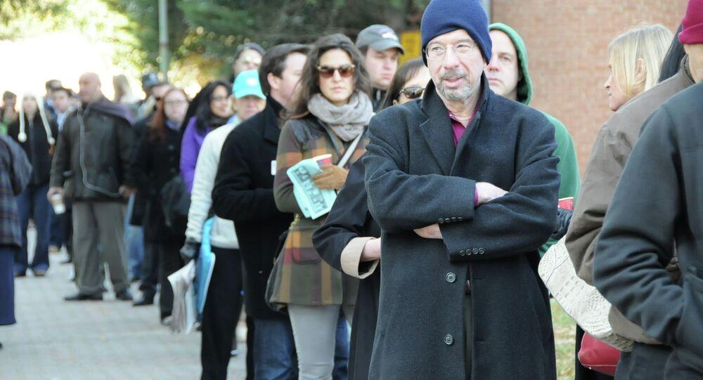 Les électeurs américains près d'un bureau de vote