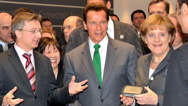 Arnold Schwarzenegger et Angela Merkel - Sputnik France