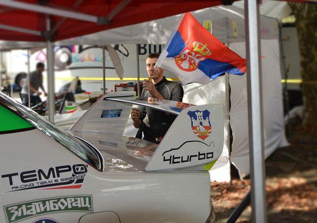 Il devient le plus jeune vainqueur du Championnat d'Europe de la montagne