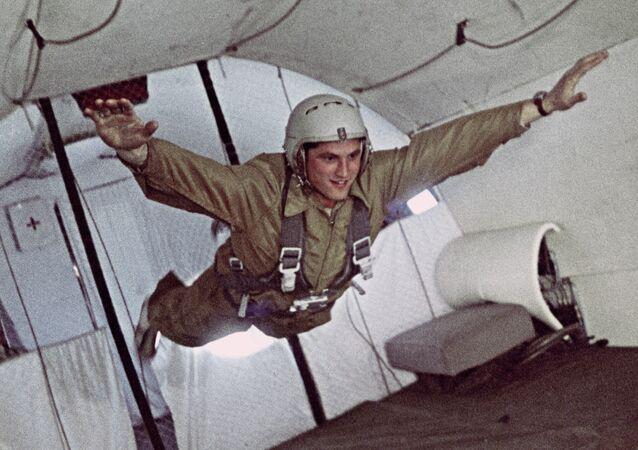 Un cosmonaute russe lors d'une séance d'entraînement en apesanteur
